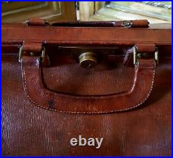 Vintage Gladstone Leather case bag Circa 1920s. Very Large Rare. Double Handle